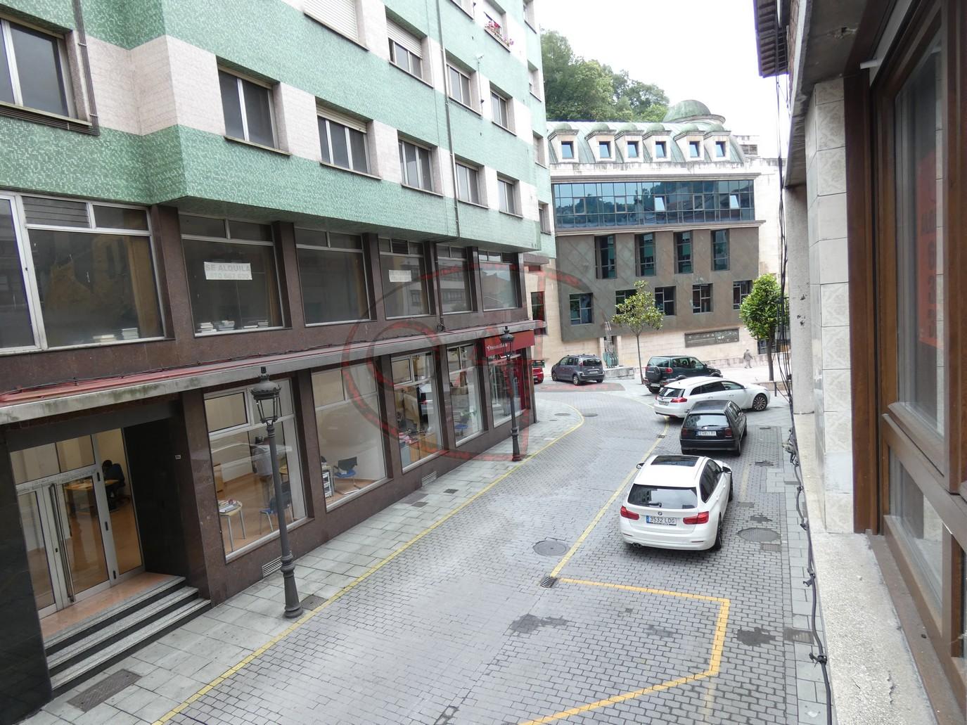ALQUILER: PISO TOTALMENTE REFORMADO A ESTRENAR EN PLENO CENTRO DE SAMA DE LANGREOro de Sama de Langreo, al lado del Ayuntamiento.